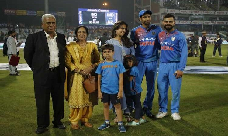 Nov.2 - I am very lucky to play my final game in front of my home crowd says Nehra
